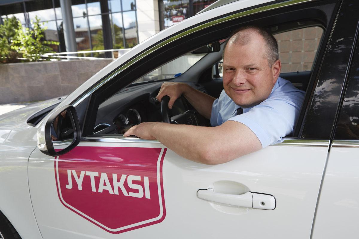 JYTAKSI Tilaa taksi Jyväskylä numerosta 0100 6900