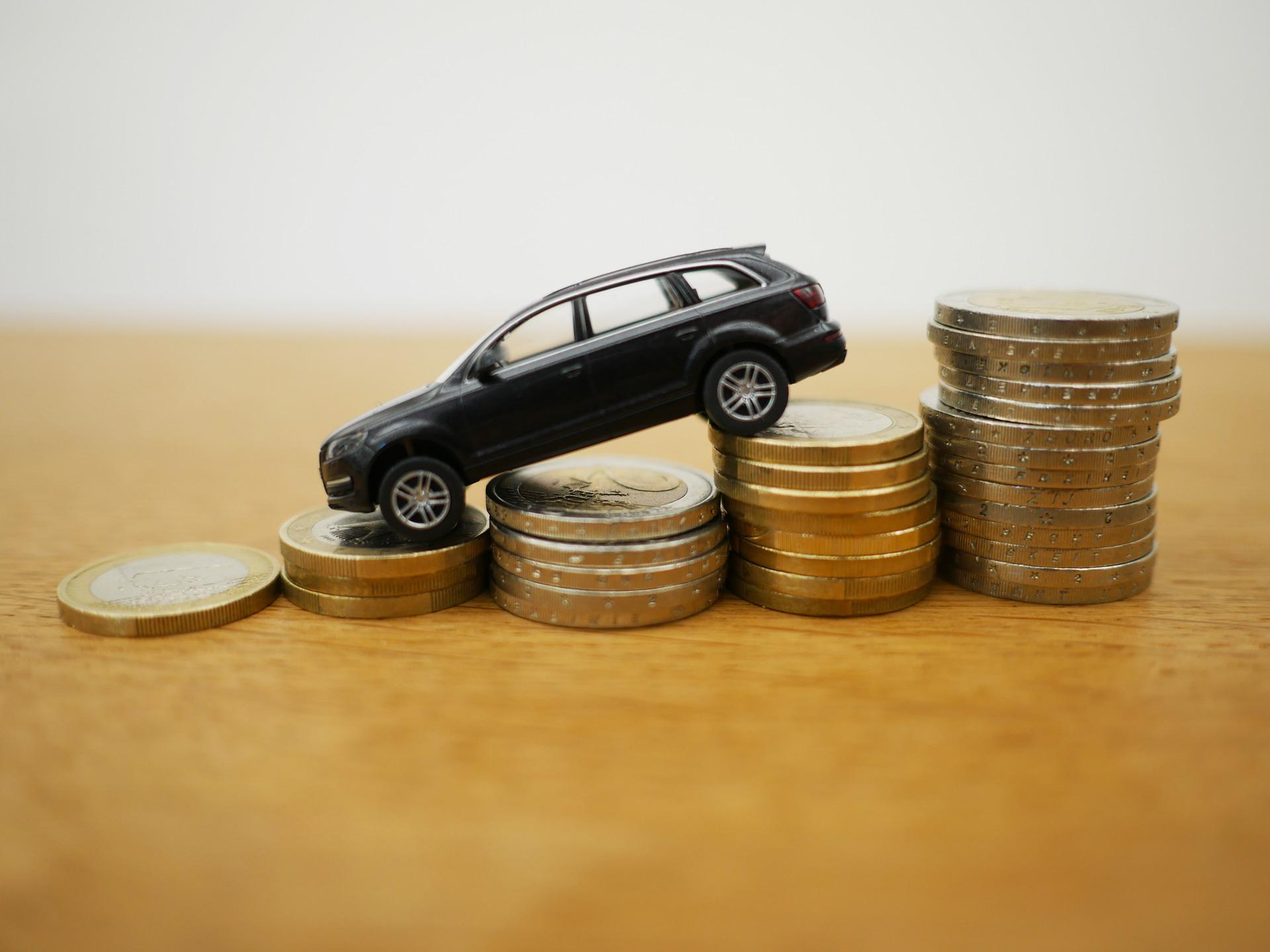 Paljonko auto maksaa