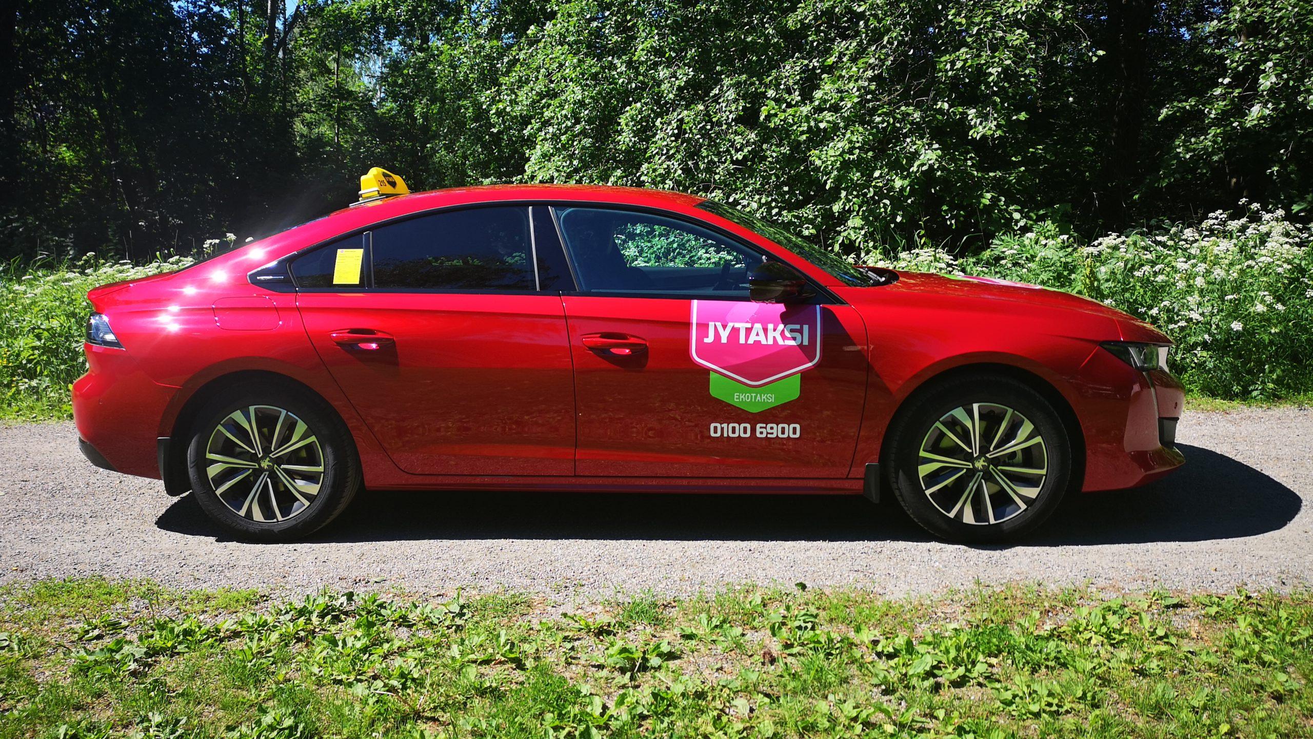 ympäristöystävällinen taksi